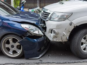 image of auto accident and broken bumpers